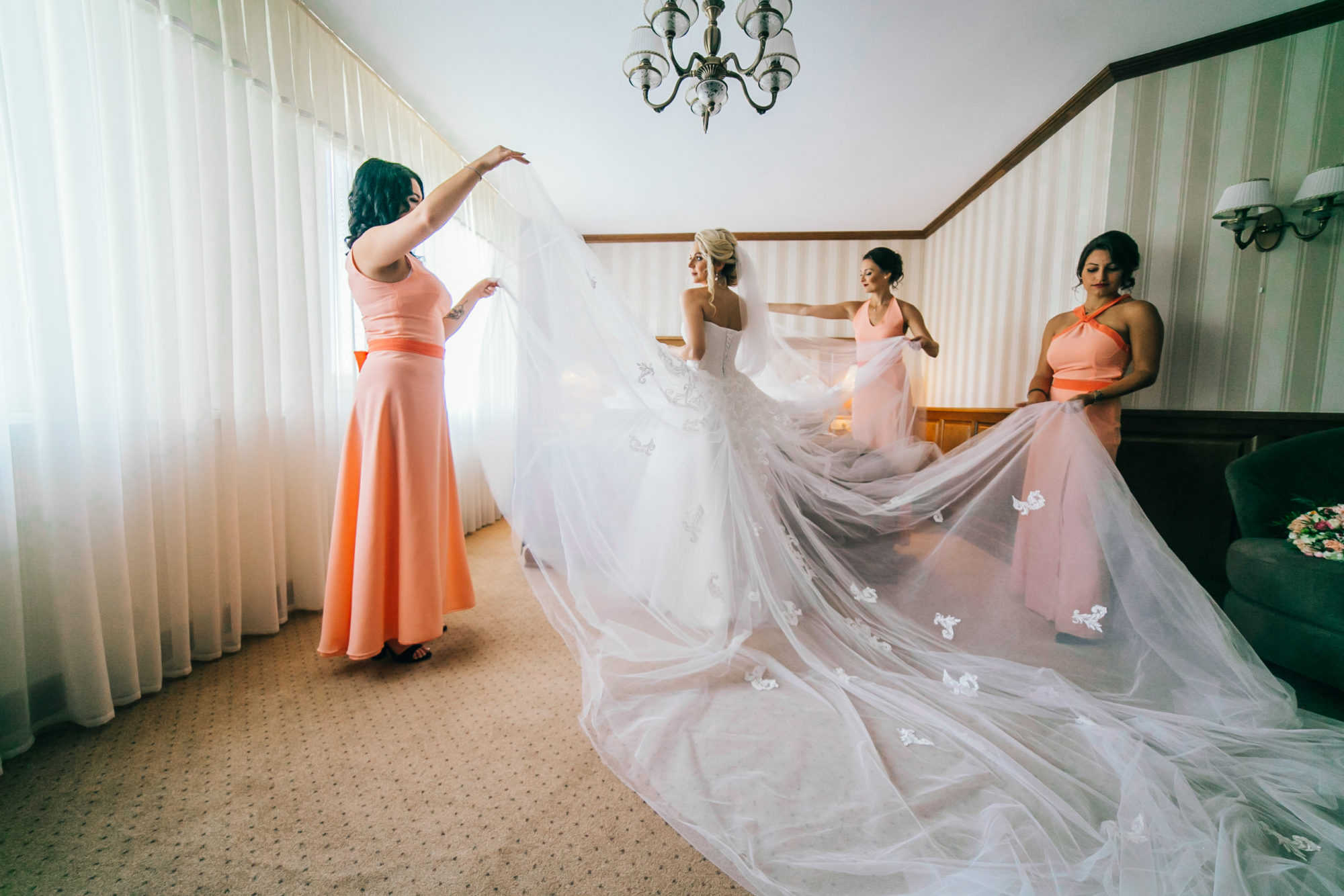 Ultimate Guide: Pre-Wedding And Day Of Bridesmaid Duties