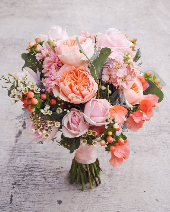 Living Coral Wedding Ideas - Living Coral Bouquet