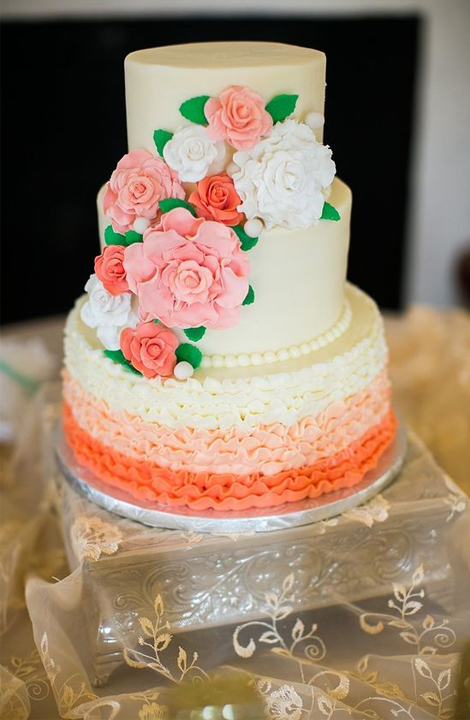 Living Coral Wedding Ideas - Wedding Cake With Living Coral Accents