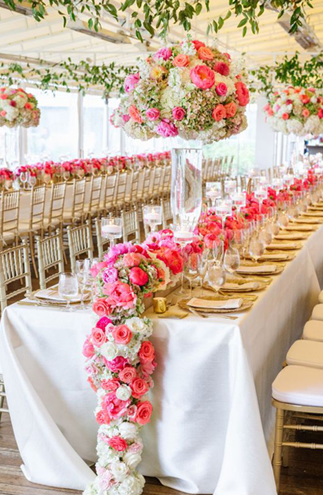 Living Coral Wedding Ideas - Table Runners and Centerpieces