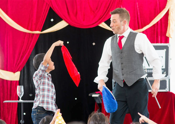 Kids Wedding Entertainment - Kids Magician