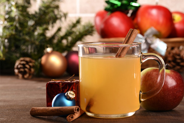 Winter Wedding - Hot Cider With Cinnamon Stick